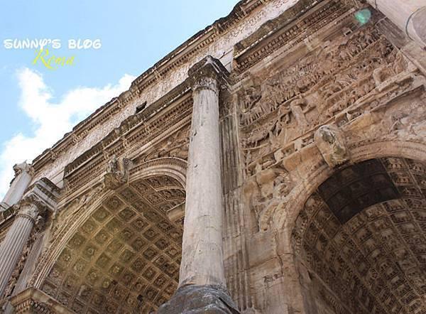 Roman Forum 16 - Arch Septimius Severus.jpg