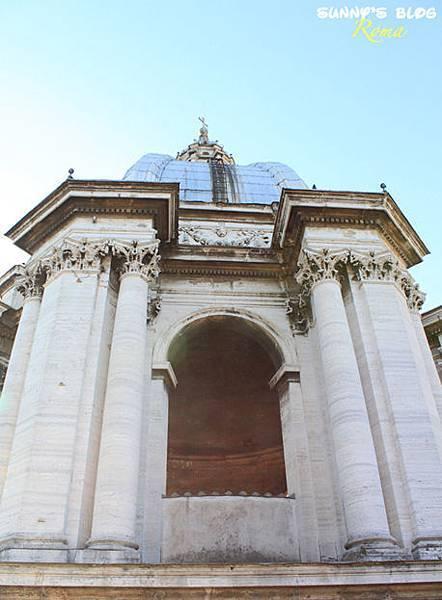St. Peter's Basilica 39.jpg
