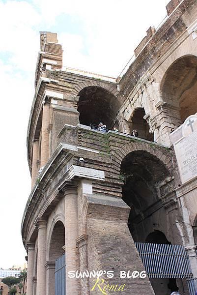 Colosseum02.jpg
