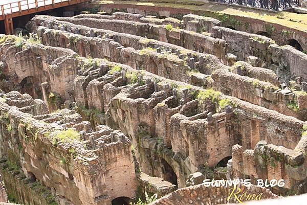 Colosseum11.jpg