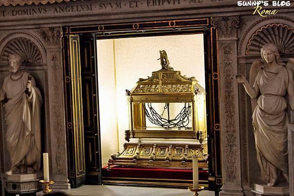 Chiesa di San Pietro in Vincoli 11.jpg