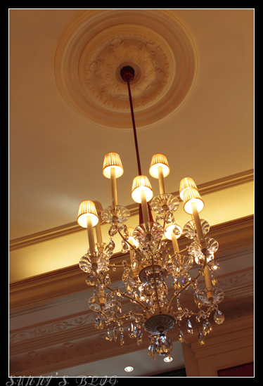 Sacher Cafe 2.jpg