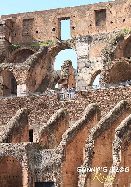 Colosseum09.jpg