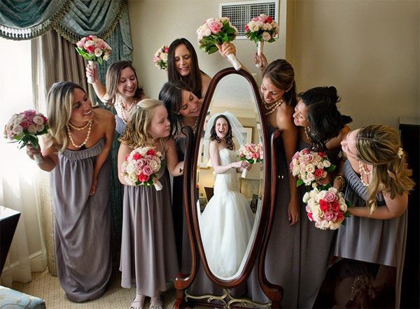 bridesmaid poses1.jpg