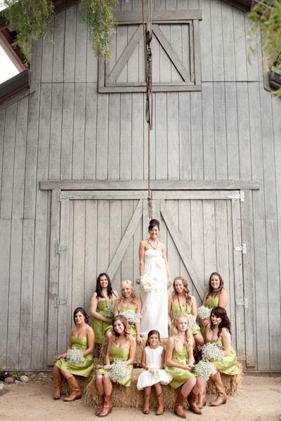 bridesmaid poses4.jpg