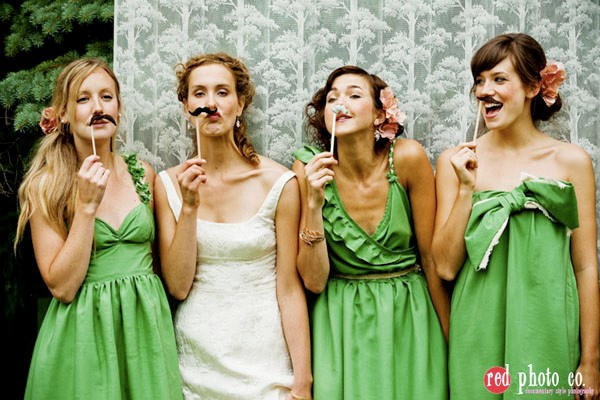 bridesmaid poses5.jpg