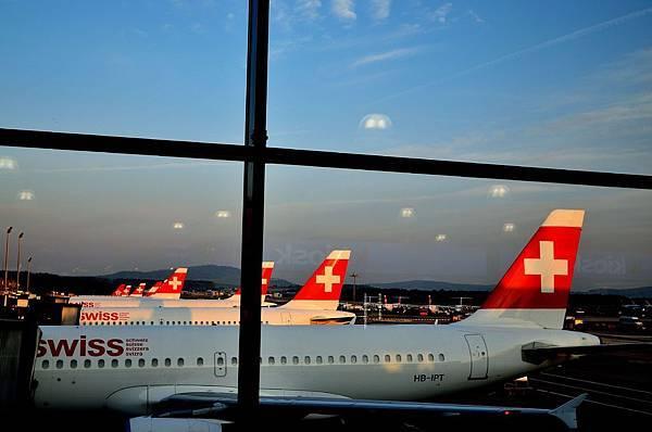 凌晨6點的瑞士蘇黎世機場