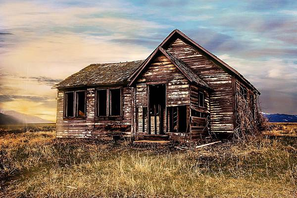 Abandoned farmhouse.jpg