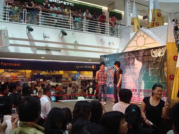 陈势安《隆重登场》专辑签唱会- Leisure Mall, KL
