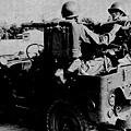 中國陸軍畫刊5002-1吉普車裝七五砲-1