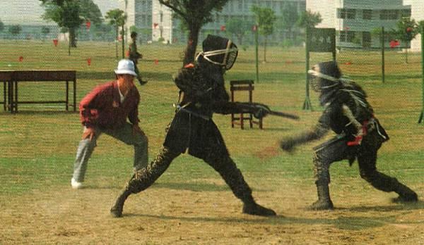 勝利之光8304-12 83年國軍運動大會刺槍術對刺.jpg