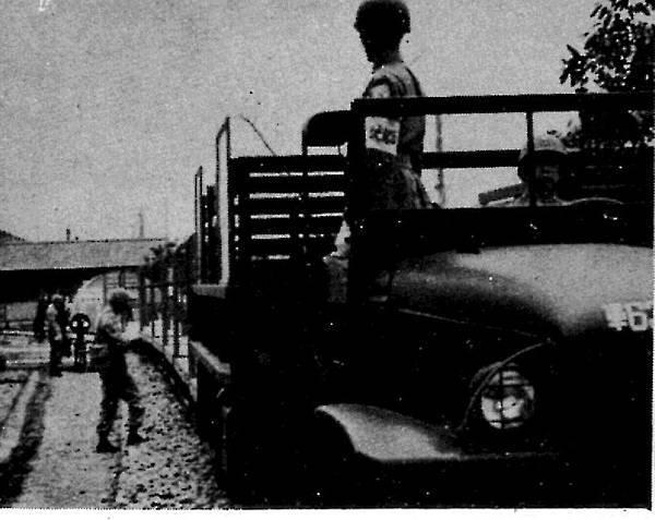 中國陸軍畫刊5109-9鐵道兵-1.jpg