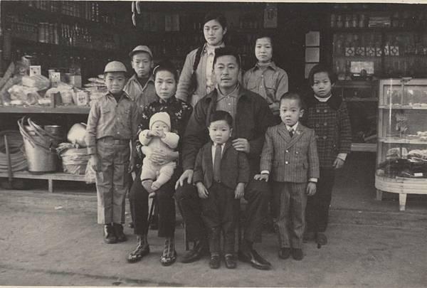 民國60年代東莒泉興商店.jpg