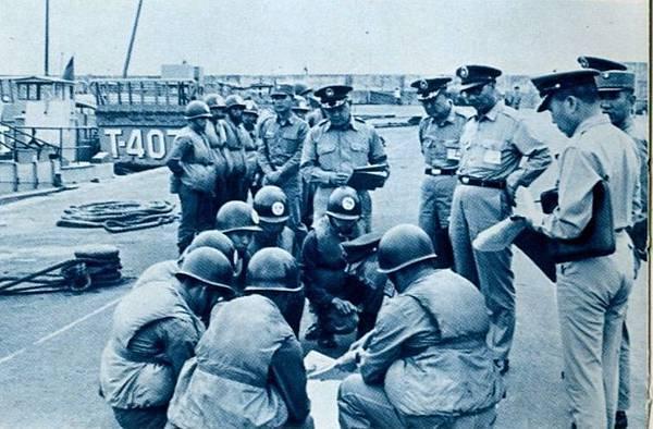 中國陸軍畫刊6102-2四五港口司令部及船舶連2