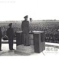 民國36年10月7日蔣中正檢閱208師北平-1.jpg