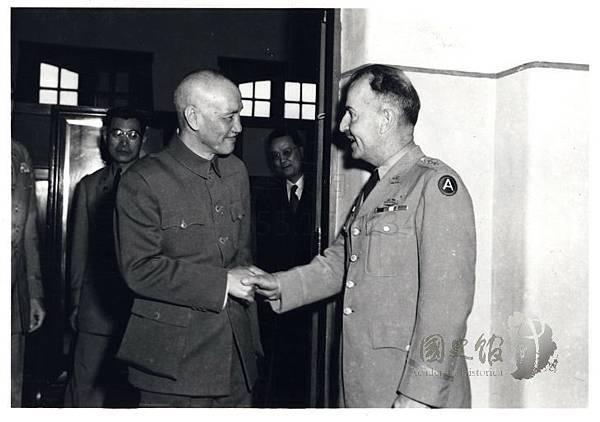 民40年5月2日接見美軍顧問團團長蔡斯.jpg