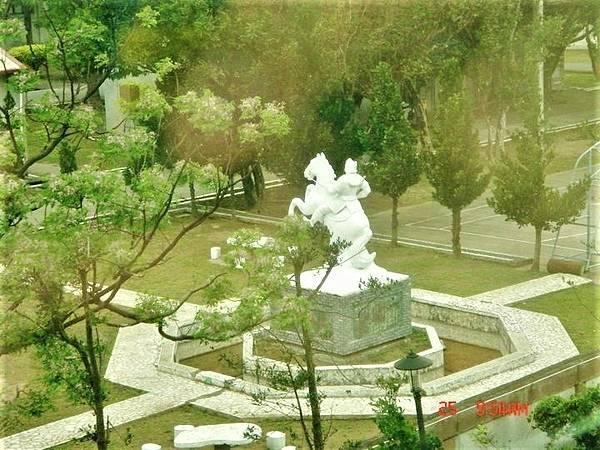 光武部隊精神雕像Elvis Chiu FB的相片2011年9月.jpg
