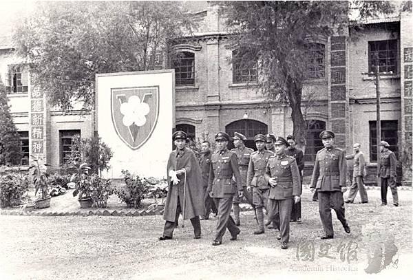 民國36年10月7日蔣中正檢閱208師北平-4.jpg