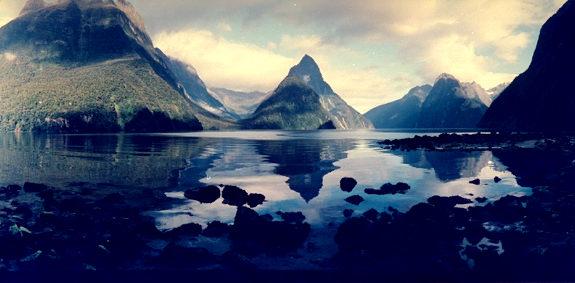 米爾福德峽灣(紐西蘭).jpg