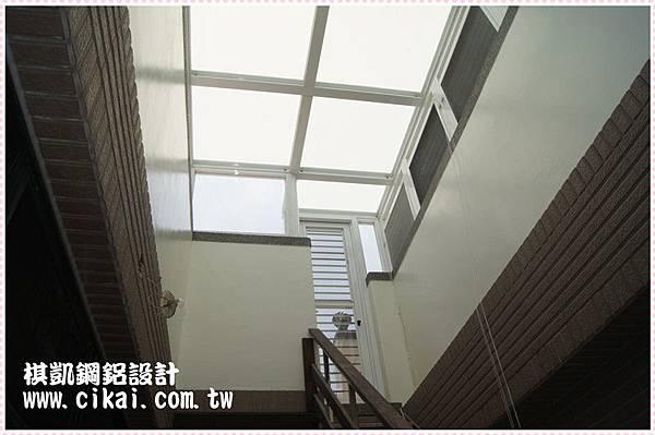頂樓玻璃屋 (1).JPG