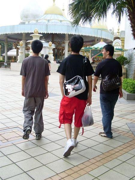 3個型男.jpg
