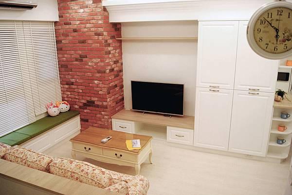 新莊張公館4F-客廳-電視牆.jpg