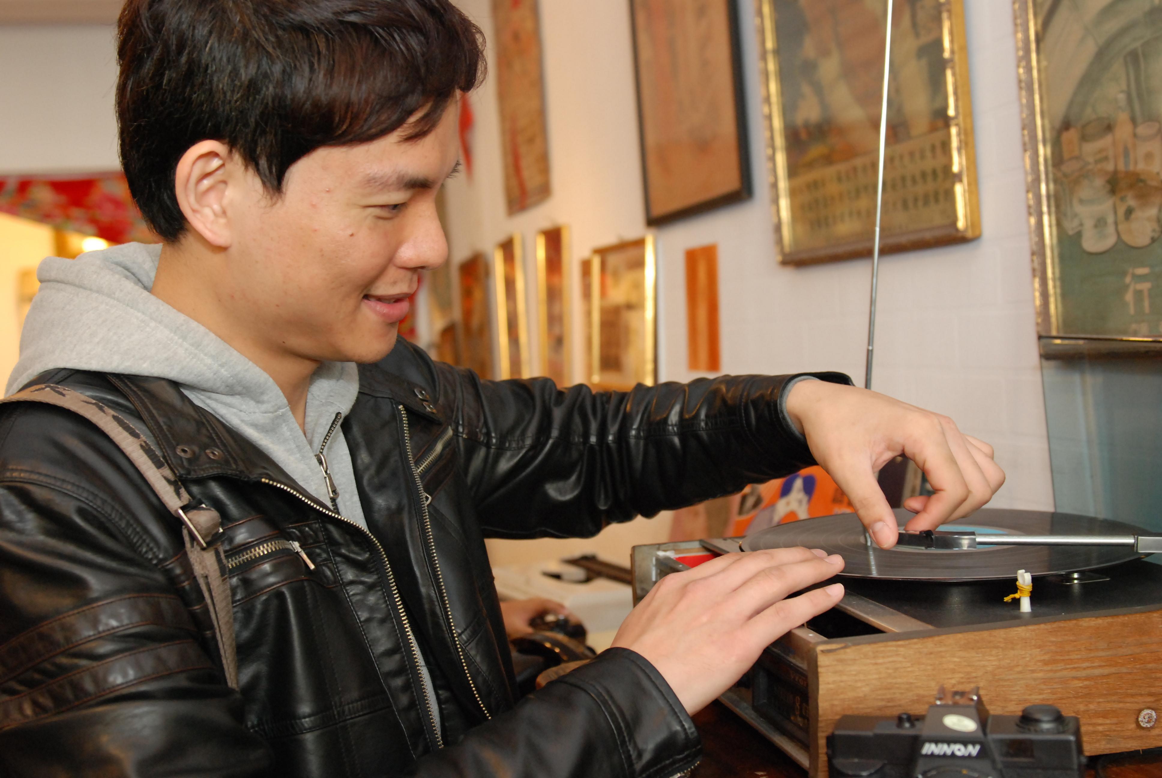 黑膠唱盤ㄟ.JPG