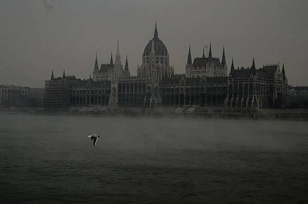 多瑙河及布達城堡區.jpg