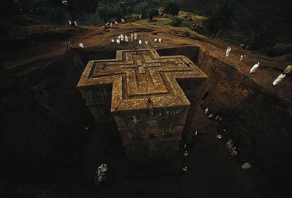 拉利貝拉岩石教堂.jpg