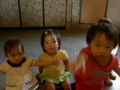 美嬰三人組