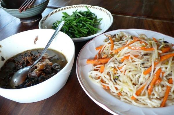 第三天中餐 - 什錦炒麵.JPG