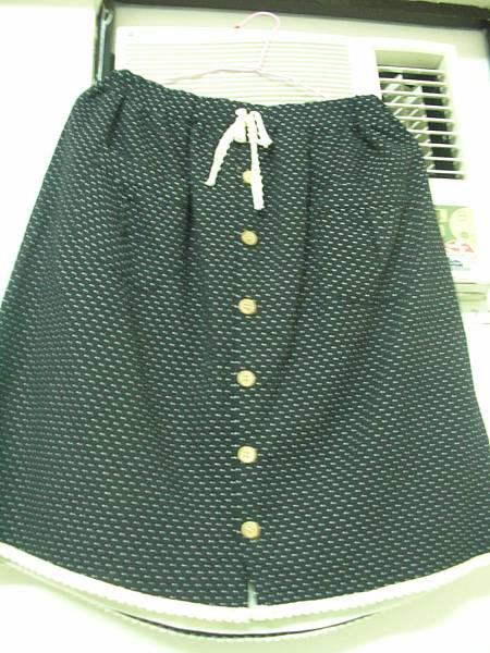 12. [全新]水玉點點黑色及膝圓裙