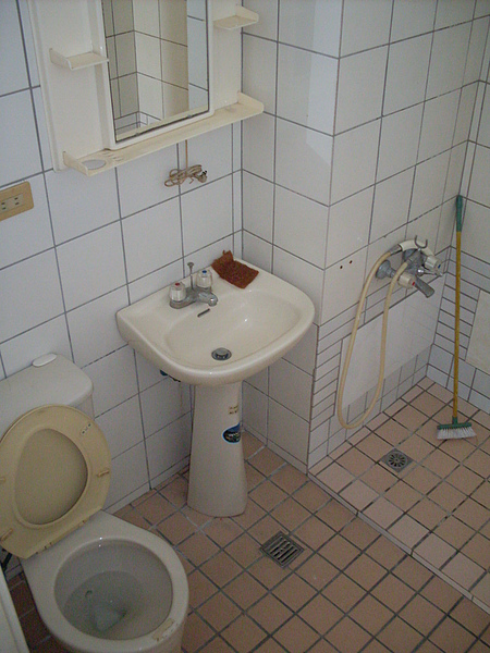 套房衛浴01.JPG