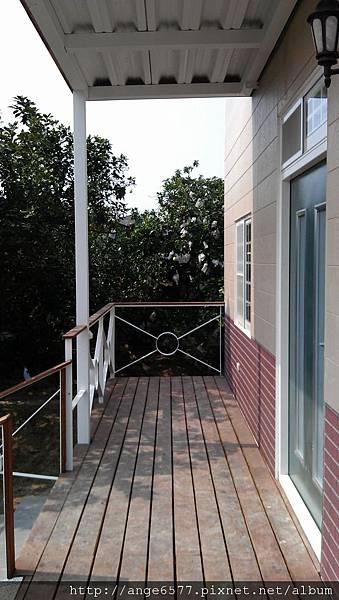 一樓陽台 (1).jpg
