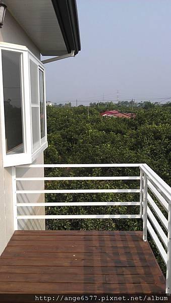 二樓陽台 (1).jpg