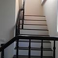 木頭扶手樓梯 (4).jpg