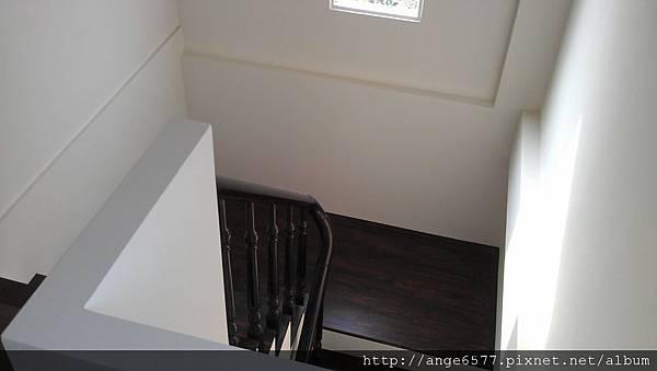 木頭扶手樓梯 (8).jpg
