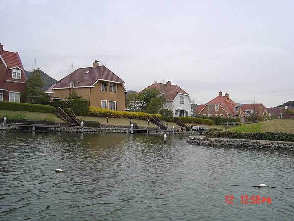豪斯登堡-遊船河4
