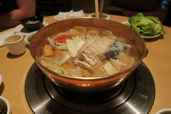 台北 橘色 涮涮鍋 (3).JPG