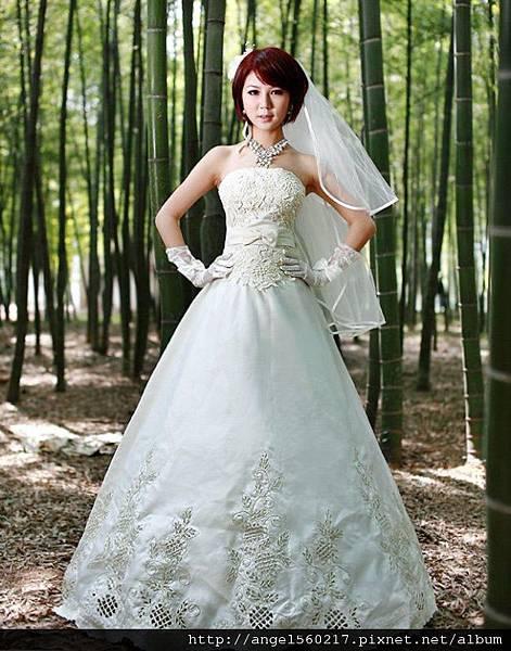 繡花婚紗2