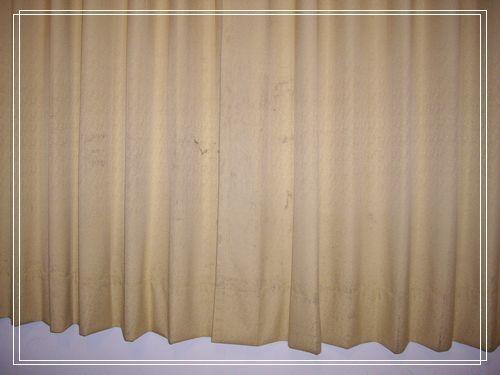 06房間窗簾.JPG