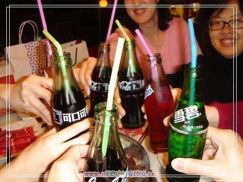 34舉杯慶祝春節.JPG
