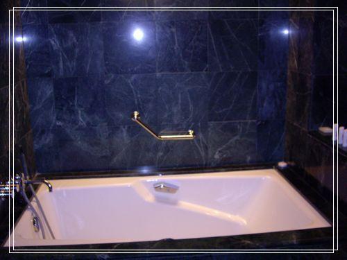 37浴缸.JPG
