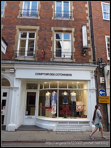 005-Cambridge Shop.jpg