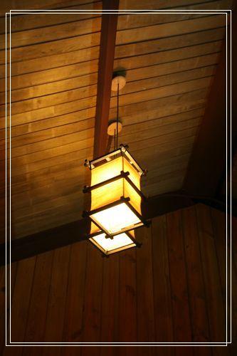 112房間吊燈.JPG