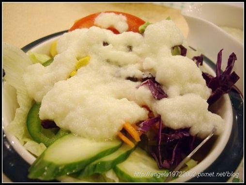 07淋上沙拉醬.JPG