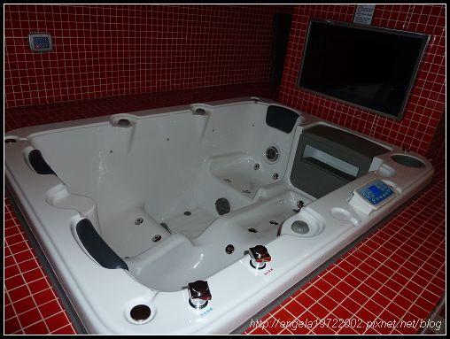 051按摩浴缸.jpg