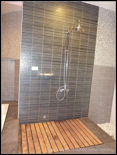 200淋浴室.jpg