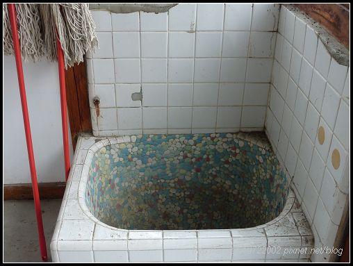 288眼熟的浴缸.jpg