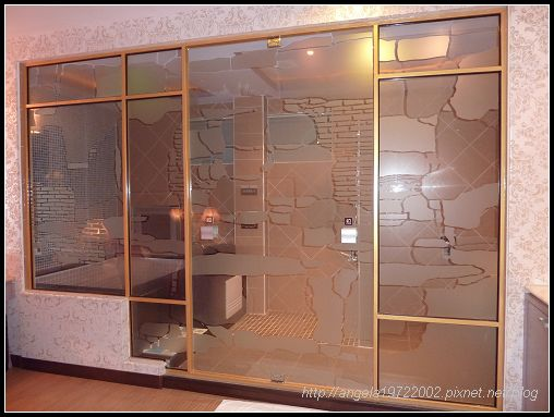 404浴室門.jpg